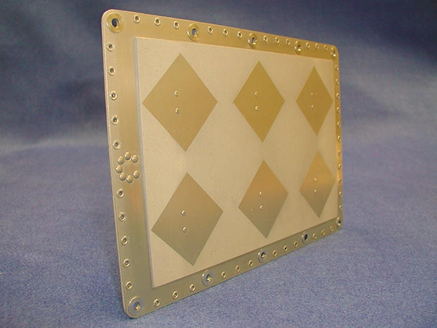 Patch TDRSS Antenna for Space Applications